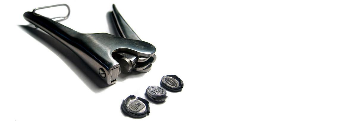 Custom sealing pliers